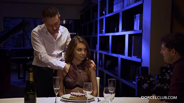 [DorcelClub] Elle Rose – Screwed In Front Of Her Husband [720p HEVC x265]