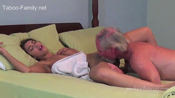 [UncleJacksNieces – Clips4sale] Kitty Catherine – Thundering Orgasms [1080p]